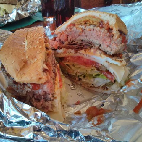 Hamburguesa en La Taberna de Manolo