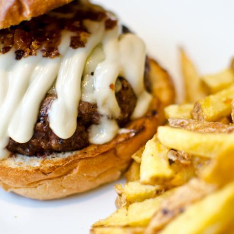 Smokey Burger Mad Café
