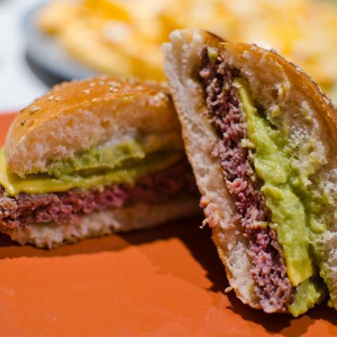 Detalle Corte Burger Tom's Burger