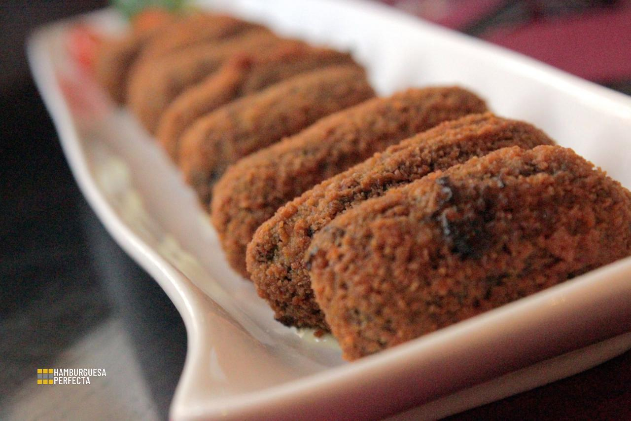 Croquetas de chipirones Strawberry Fields